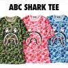 A BATHING APEからABC CAMOとシャークモチーフを組み合わせたTEE「ABC SHARK TEE」が3/31から発売 (ア ベイシング エイプ)