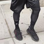 "Kanye本人が""レッド ストライプ""アディダス オリジナルス イージー 350 ブースト V2 を着用! (adidas Originals YEEZY 350 SPLY BOOST V2 ""Red Stripe"")"